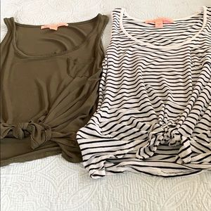 2 Identical Bottom Tie Sleeveless Tops XS